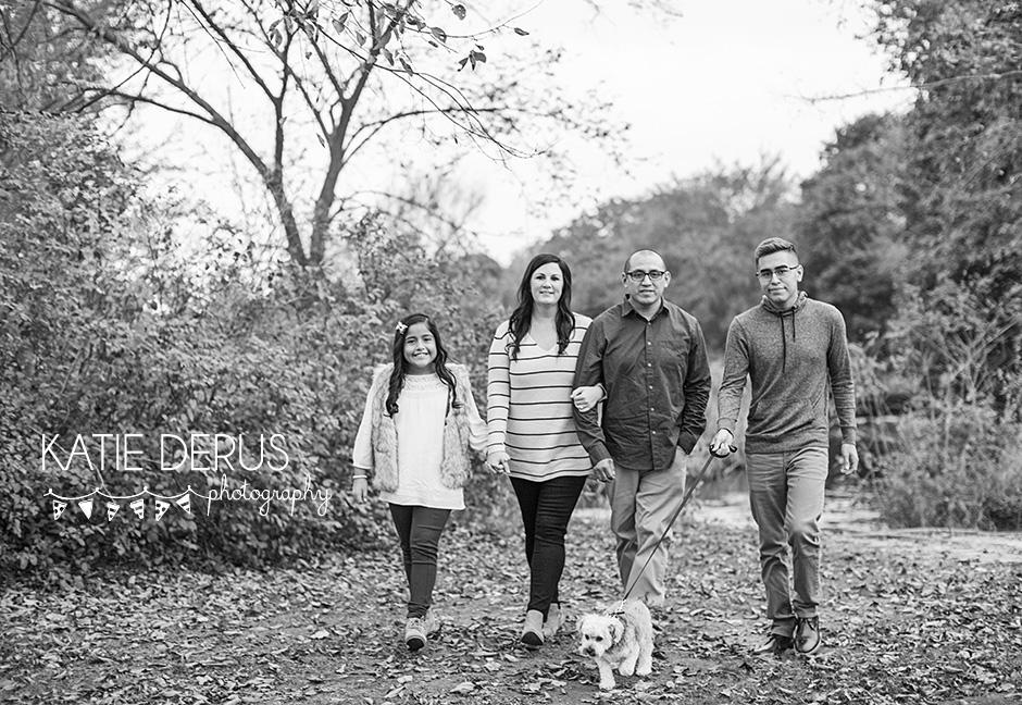 Milwaukee Family Photographer The Rios Family Http Www Katiederusblog Com